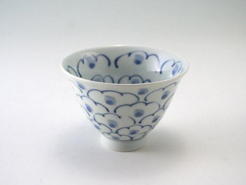 有田焼 青花 内外牡丹百合型煎茶